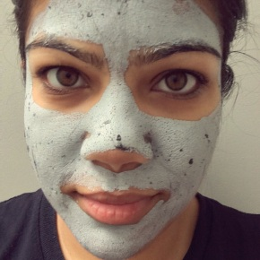 Spring cleaning with GLAMGLOW SUPERMUD™ clearing treatment